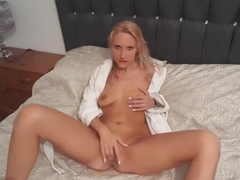 Fuckdoll lucy plays with pussy in robe