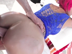 Big Ass Anna Bell Peaks Recieves A Hard Anal Fuck