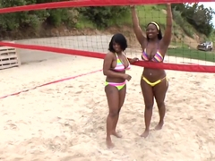 Two sweet chocolates Jada Fire and Aryana Starr postured in the doggy style
