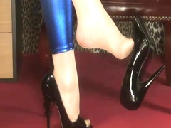 Dangling Tease Blue And Black - ImLive