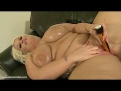 Oiled Large Tit big beautiful woman Sindy Strutt Plays Bonks Massive Gold Vibrator