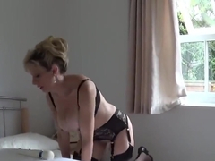 Unfaithful british mature lady sonia flashes her huge boobs