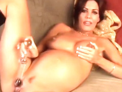 Nancy Vee has a juicy fat pregnant pussy