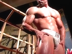 Muscle Worship - in the House