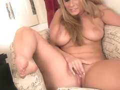 Nice small titted Paige Turnah play with her lovehole