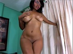 Webcam - 19 year old Latina hottie topless