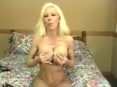 Big Tittied Blonde MILF Elizabeth Starr Masturbates