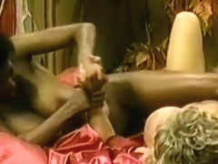 Ebony Ayes and Melissa Mounds