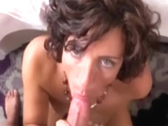 Enticing experienced lady having an incredible amateur fucking