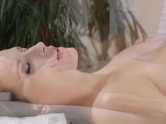 Victoria Daniels Humps With Handsome Masseur