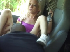 Extreme triple anal Halle Von is in town on vacation with her boypartner.