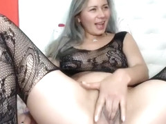 Gum Chewing Blonde Amateur Sult Gives Nice Handjob Part 02