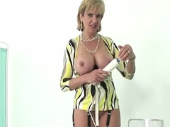 Unfaithful english milf lady sonia reveals her huge breasts