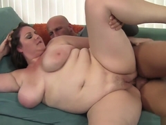 Fat Nympho Joslyn Underwood Has A Hung Stud Plowing Her Shaved Pussy