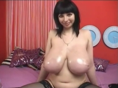Long big gorgeous breast oiled in cam !