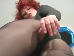 Jack off onto my sexy legs and pantyhose