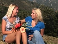 Cindy Craves & Kelly Kayne in Lesbian Triangles #14, Scene #03