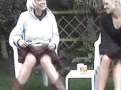 spank teen girls hoschen gepinkelt