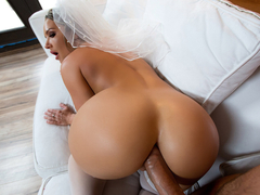 Cali Carter & Keiran Lee in Big Wet Bridal Butt - BrazzersNetwork