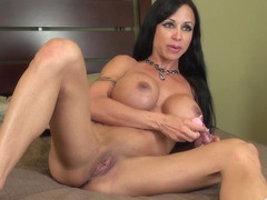 Some hot masturbation from Jewels Jade