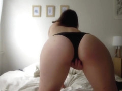 Blindfolded masturbation by French girl