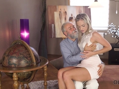 OLD4K. Shanie Ryan finally tries dick of her Geography teacher