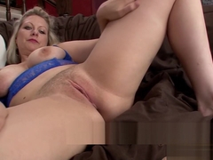 Blone MILF Zoey Tyler Tells You All About Her Turn-ons