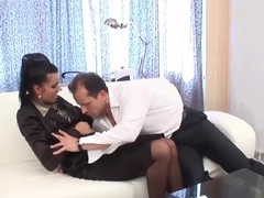 Sweaty dick sucking for Marry Queen
