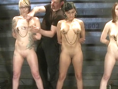 Female slaves gets torment and elimination