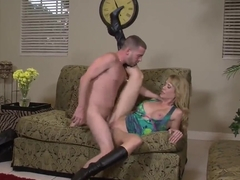 American blonde cougar Desiree Dalton chokes on Tony Rubino's throbbing package