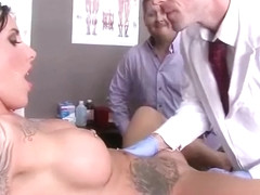 Horny Nasty Patient (austin lynn) Seduce Doctor In Hard Sex Action Scene clip-05