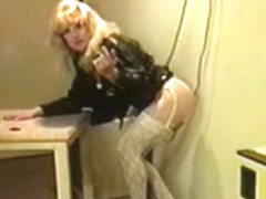 Blonde Travesti Giving Head To Guy