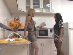 ShemalesFuckGirls Movie: Agatha Sh and Deise