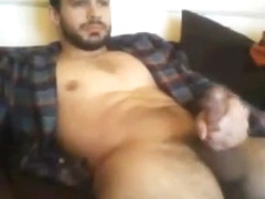 Cute dude pumps his cock