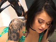 Isis Love And Holly Hendrix Shared Bf In The Kitchen
