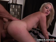 Vanda Lust Fingers Her Clit - Just18