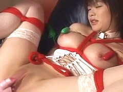 Lovely Kasumi Uehara toy inserting!