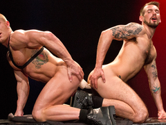 Labyrinth XXX Video: Johnny V & Chris Harder - FalconStudios