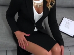 Hot Jaye Summers convinces him to sign the papers