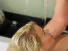 Big Boobs Blonde Masseuse Daisy Monroe Fucked By Client