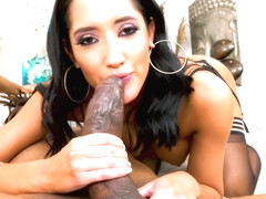 Chloe Amour - She Needs Your Touch