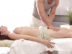 Marina Visconti - Massage - HookxUp