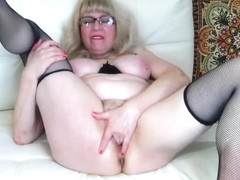 10 nov. 2019 cam2cam with hairy squirting mature