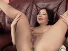 Shy Kaylee is taught hot dildo fun by Nikky Thorne