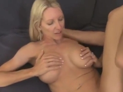 Pretty blond experienced lady Emma Starr gives an amazing BJ