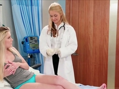 Gyno doctor eats patients pussy
