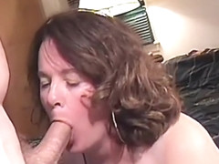 She does a blowjob on her knees cim