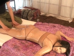 Heavenly oriental MILF Kyoko Maki getting cock been blowed
