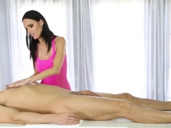 Sexy skinny masseuse mouth jizzed