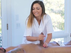 Teen Jaye Summers Gives Bbc Massage Therapy